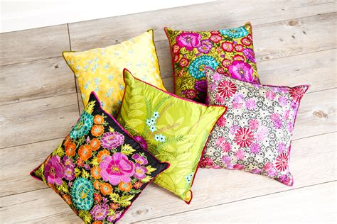 cuscini giganti da interno kolorowe dodatki do salonu i ogrodu na lato pozytywna