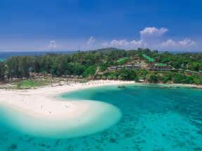 Is a private beach not crowed and is very peaceful good quot