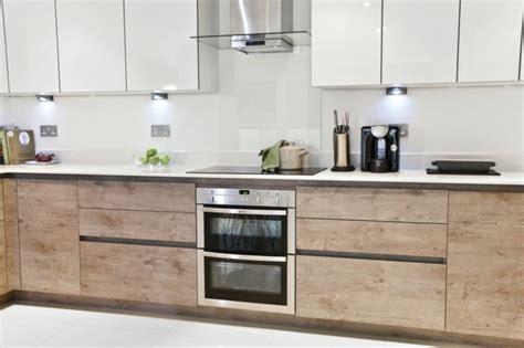 Comptoir De La Forme La Garde by Design Interieur Id 233 Es Cuisine Moderne Portes