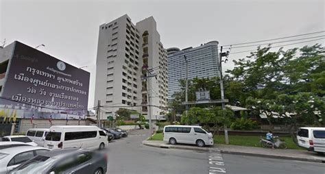 river house condominiums river house condominium condo in bangkok hipflat