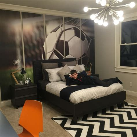 soccer bedrooms 1000 ideas about soccer bedroom on boys soccer bedroom soccer room and soccer room