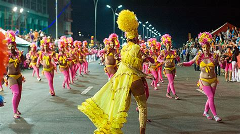 chow does cuba celebrate new years cuba holidays traditions in cuba cuba s vibrant festivals the carnival of susana