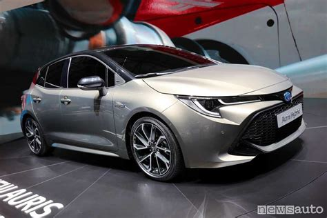 toyota auris interni toyota auris 2018 al salone di ginevra newsauto it
