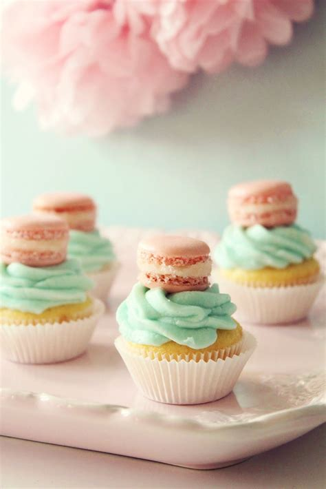 How To Decorate A Birthday Cake At Home by Mini Macaron Cupcakes Cupcake Monday The Tomkat