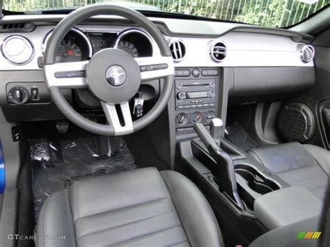 2009 ford mustang gt premium convertible interior color
