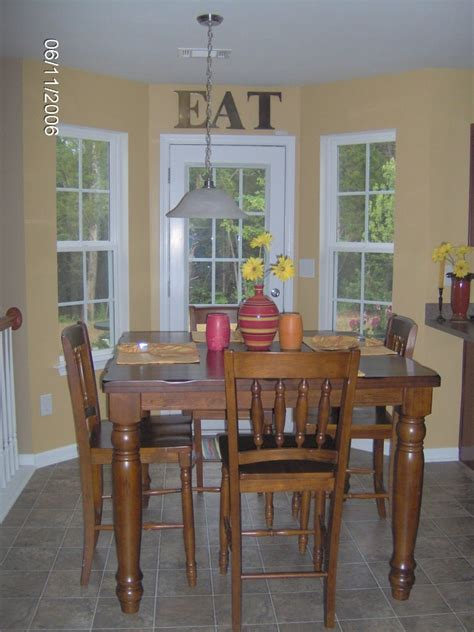 chronicles of a southern scrapper kitchen breakfast nook