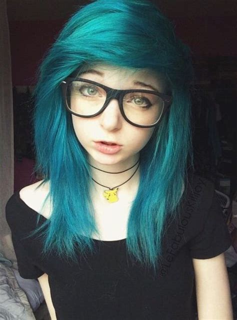emo hairstyles for medium hair 10 cute emo hairstyles for girls faceshairstylist com