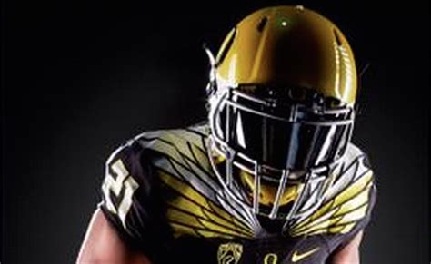 oregon ducks 2015 2016 uniforms look oregon sporting sweet black and yellow uniforms for