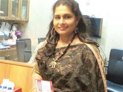film actress zeenath പ സ റ ററ ല പ ല തല ക ണ ല ല സ വ ധ യകന ട