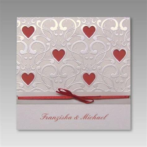 Einladungskarten Zur Hochzeit by Einladungskarte Hochzeit Mit Vielen Roten Ausgestanzten Herzen