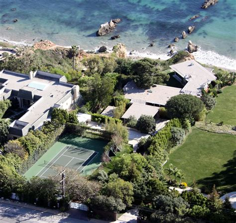 brad pitt s house on sale luxuo