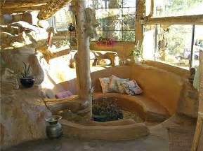Buildingthe underground hobbit house