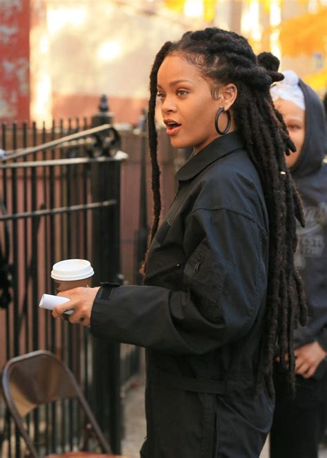 Riana Set rihanna on the set of s 8 11 9 rhianna dread