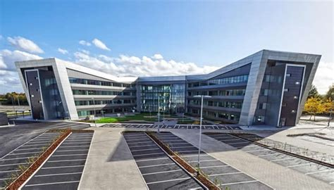 volkswagen headquarters euroclad 174 case study vw headquarters uk