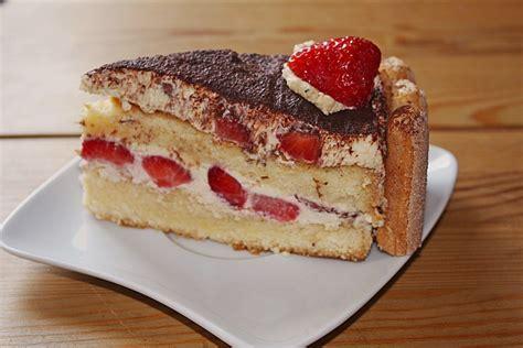 erdbeer tiramisu kuchen erdbeer tiramisu torte rezept mit bild ela back