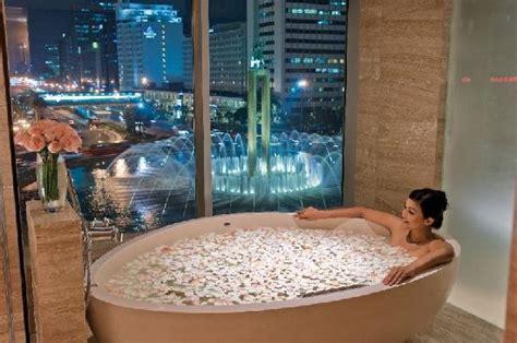 bathtub indonesia heritage room picture of hotel indonesia kempinski