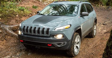 jeep trailhawk 2015 2015 jeep cherokee trailhawk review digital trends