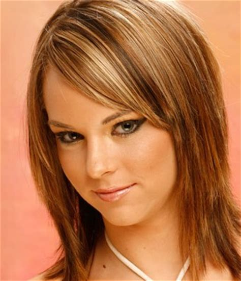 below shoulder simple layered hair style cute medium hairstyles hairstyle album gallery