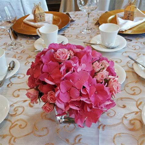 pink hydrangea with spray roses centerpiece copy