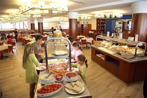 hotel buffet salou gastronomic offer blaumar hotel tarragona