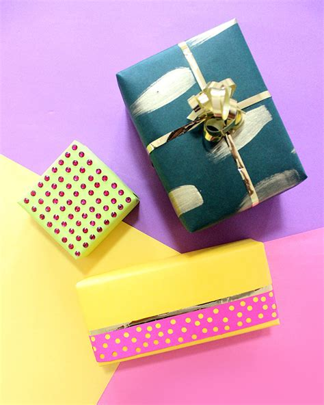 best way to gift wrap 3 ways to gift wrap small gifts the craftables