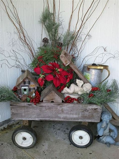outdoor christmas decorating ideas 40 comfy rustic outdoor christmas d 233 cor ideas digsdigs