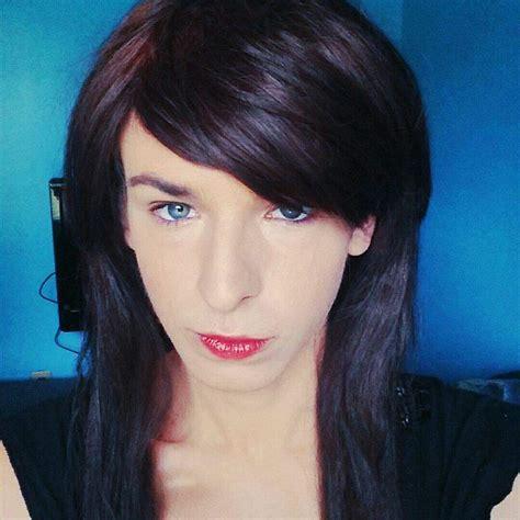 transgender high school bathroom transgender with male genitalia using girls bathroom sparks outrage at hillsboro
