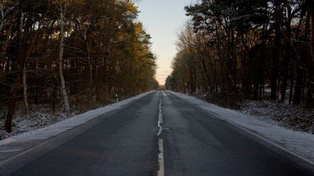 wallpaper  road decline asphalt turn