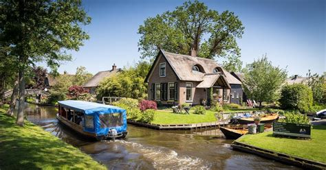 boat tour giethoorn from amsterdam day trip to giethoorn by bus and boat