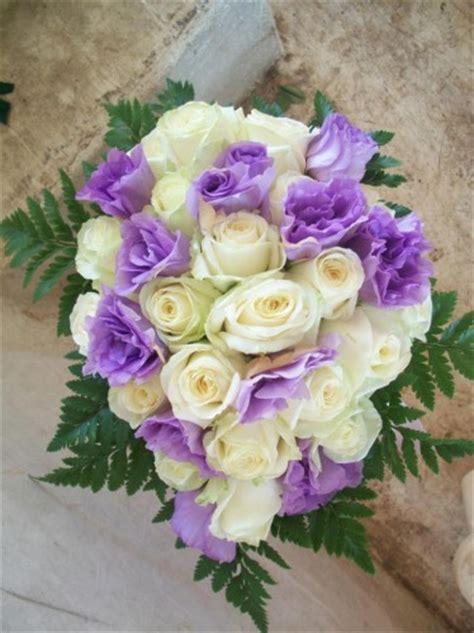 fiori color lilla addobbo floreale in chiesa glicine lilla pontecagnano