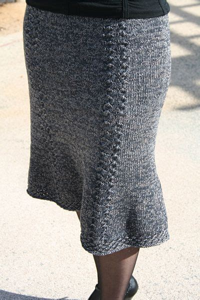 knit skirt pattern bell curve skirt winter 2007 knitty wool