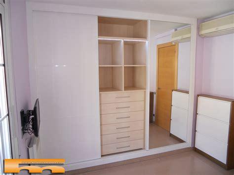 armarios habitacion casa de este alojamiento armario habitacion matrimonio a