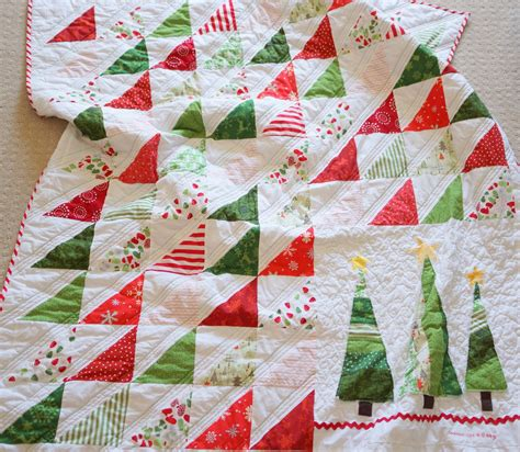 images of christmas quilts lo ray me easy triangle christmas quilt