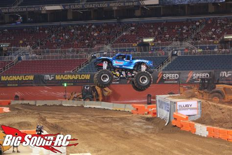 bigfoot monster truck st louis racing speed energy stadium super truck series st louis