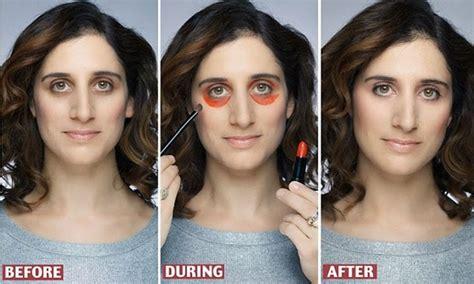 Eyeshadow Dibawah Mata menggunakan lipstick merah sebagai concealer di bawah mata