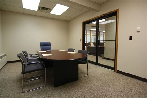 Rent A Desk In An Office Office Awesome Rent Office Space By The Hour Small Storefronts For Rent Daily Office Space