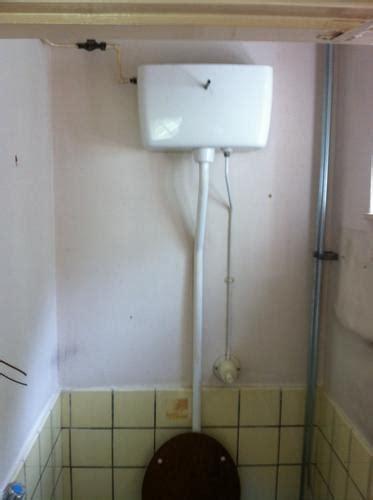 stortbak wc werking staand ouderwets toilet vervangen door nieuw hangend