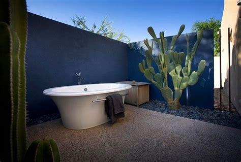 20 amazing outdoor bathroom ideas