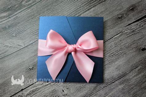 hochzeitseinladung navy navy hochzeitseinladung mit rosa schleife blau