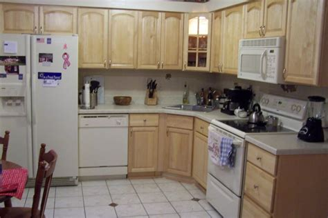 do it yourself kitchen cabinets does do it yourself cabinet refacing really save money
