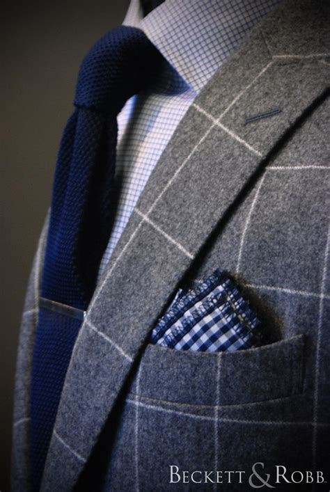 Vest Tekstur Navy Knit Tie Paired With Micro Check Shirt Checkered