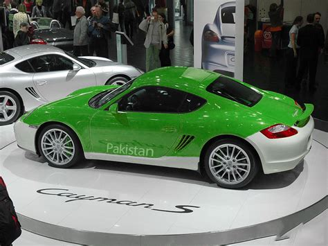 porsche pakistan green posts pakistani flag coloured cars