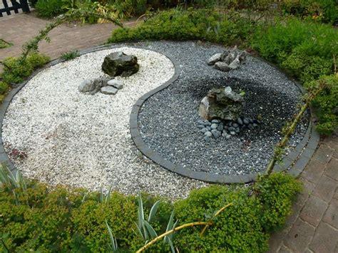 yin yang garten potted zen garden ying yang garden zen gardens