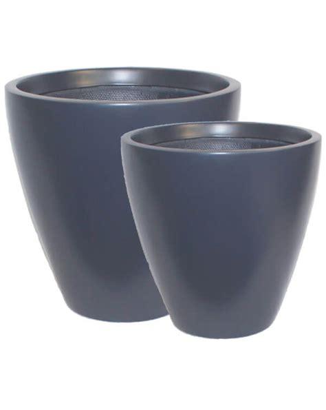 manhattan fiberglass  iota designer planters