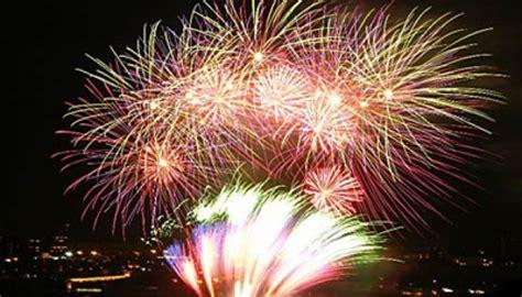 Promo Kembang Api 100 Shoot tahun baru dubai siapkan kembang api terbesar dunia tempo co