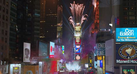 times square new years eve 2000 time square new year s eve ball fisher marantz stone