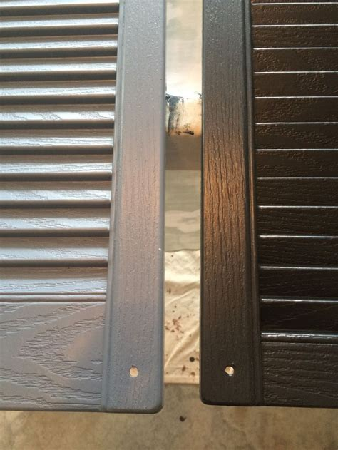 spray painting vinyl shutters 25 best ideas about painting shutters on