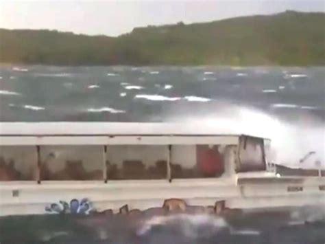 sinking boat duck eleven dead after duck boat sinks in missouri lake st