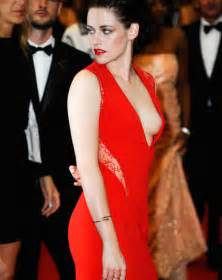 kristen stewart wardrobe malfunctions world