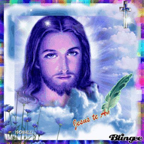 imagenes de jesucristo con brillo y movimiento im 225 genes de amor con movimiento